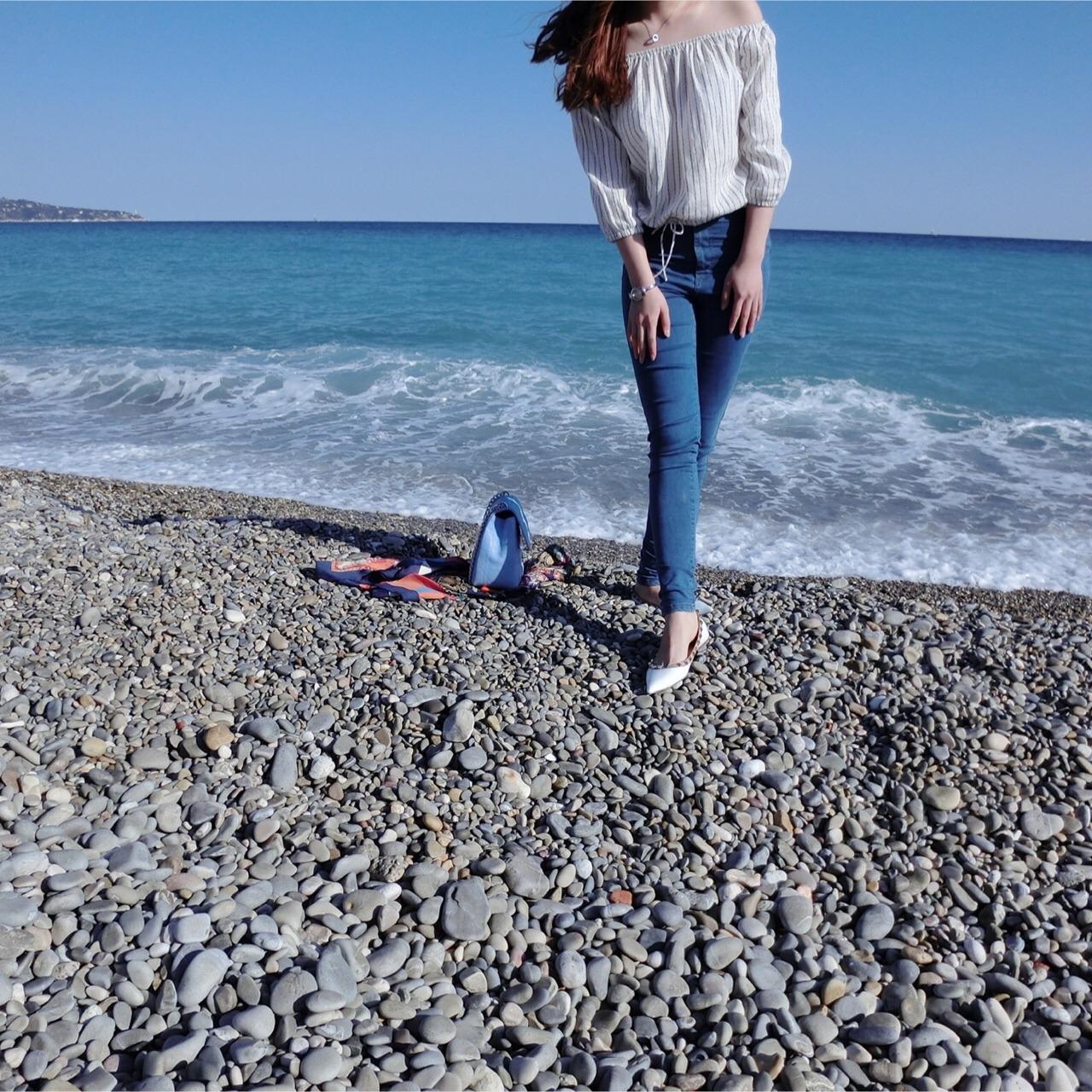 穿搭分享 这张是去年秋天在法国尼斯的海边拍的照片了