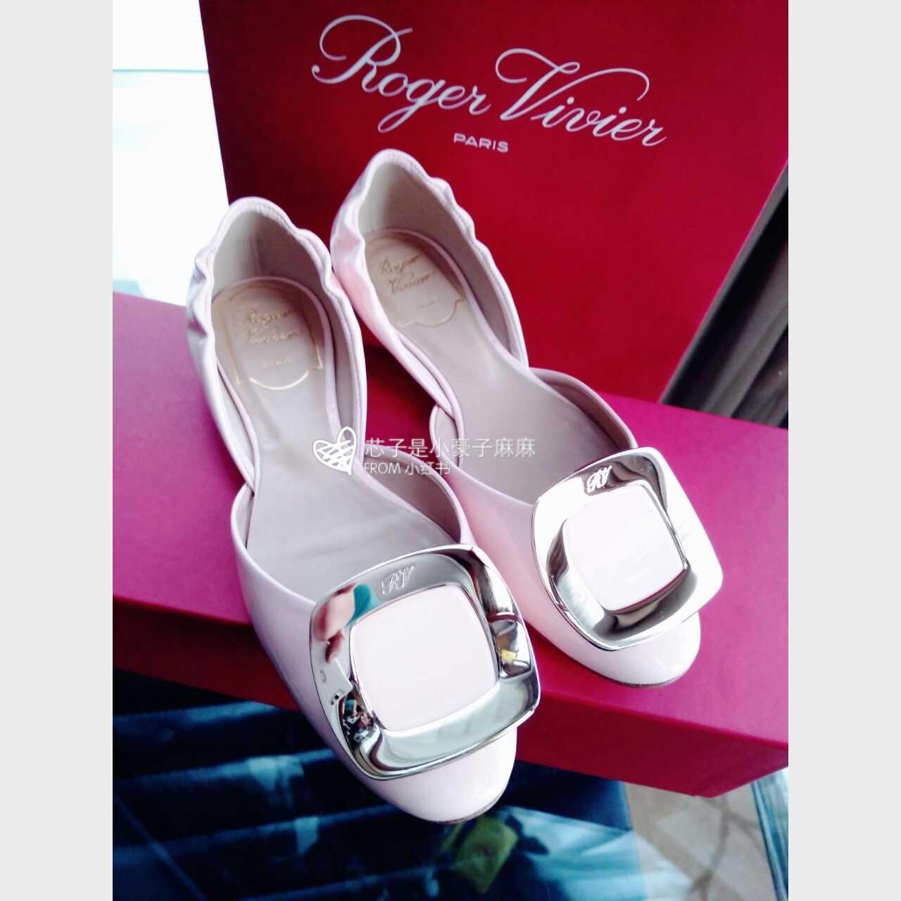Roger Vivier Shoes Hong Kong 2019 Online Shop   Designer ... 2018年10月25日 -  恭喜美糖喜提代言 5c23e7cecb082