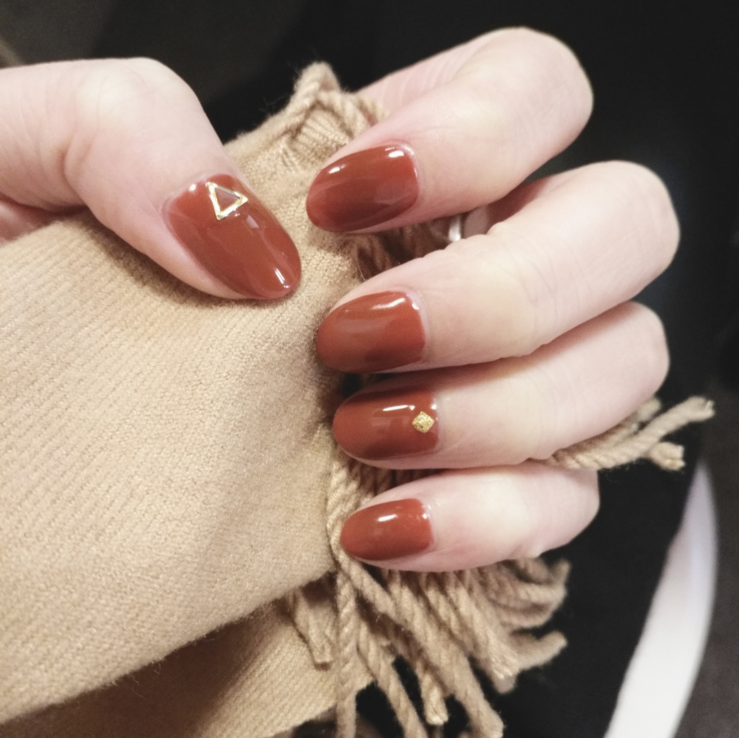 新年美甲 chili色 超级显白_彩妆-小红书图片