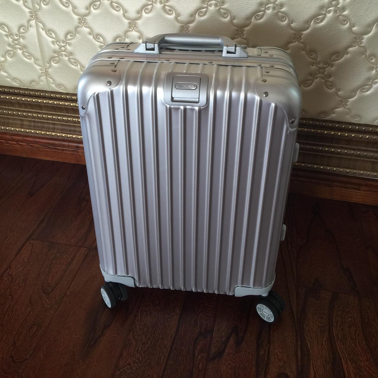 rimowa铝合金旅行箱