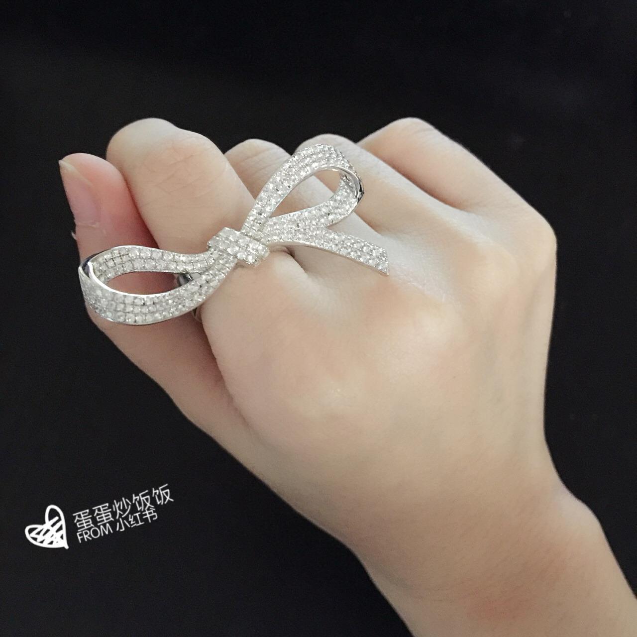 qq头像一只手戒指