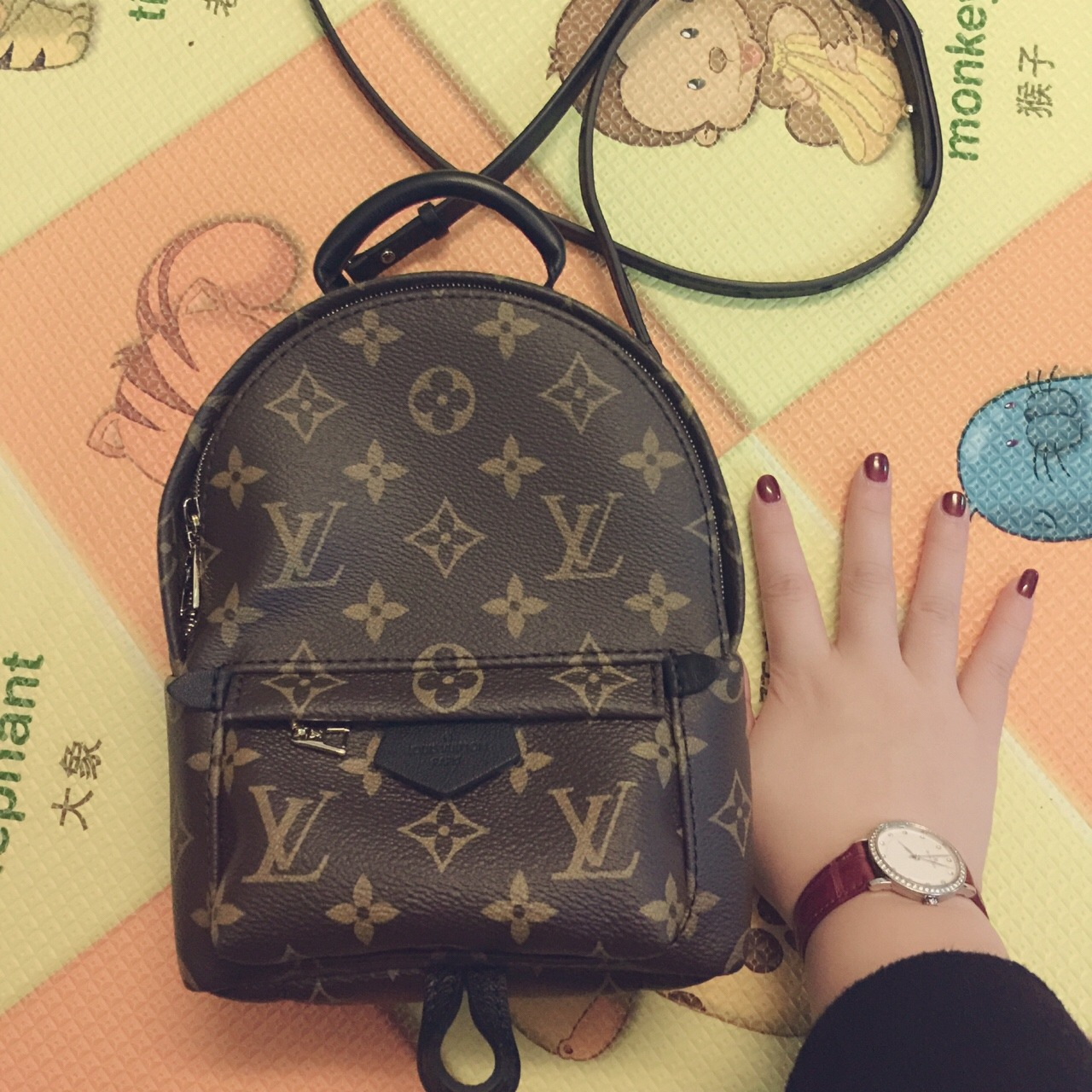 这款mini背包应该是最近lv最火的包了