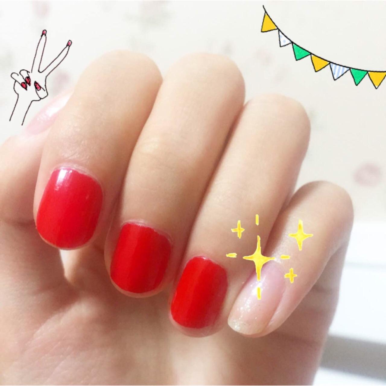 快干指甲油 颜色超好看 正红色 显手白 而且这个的刷头超好涂 美!