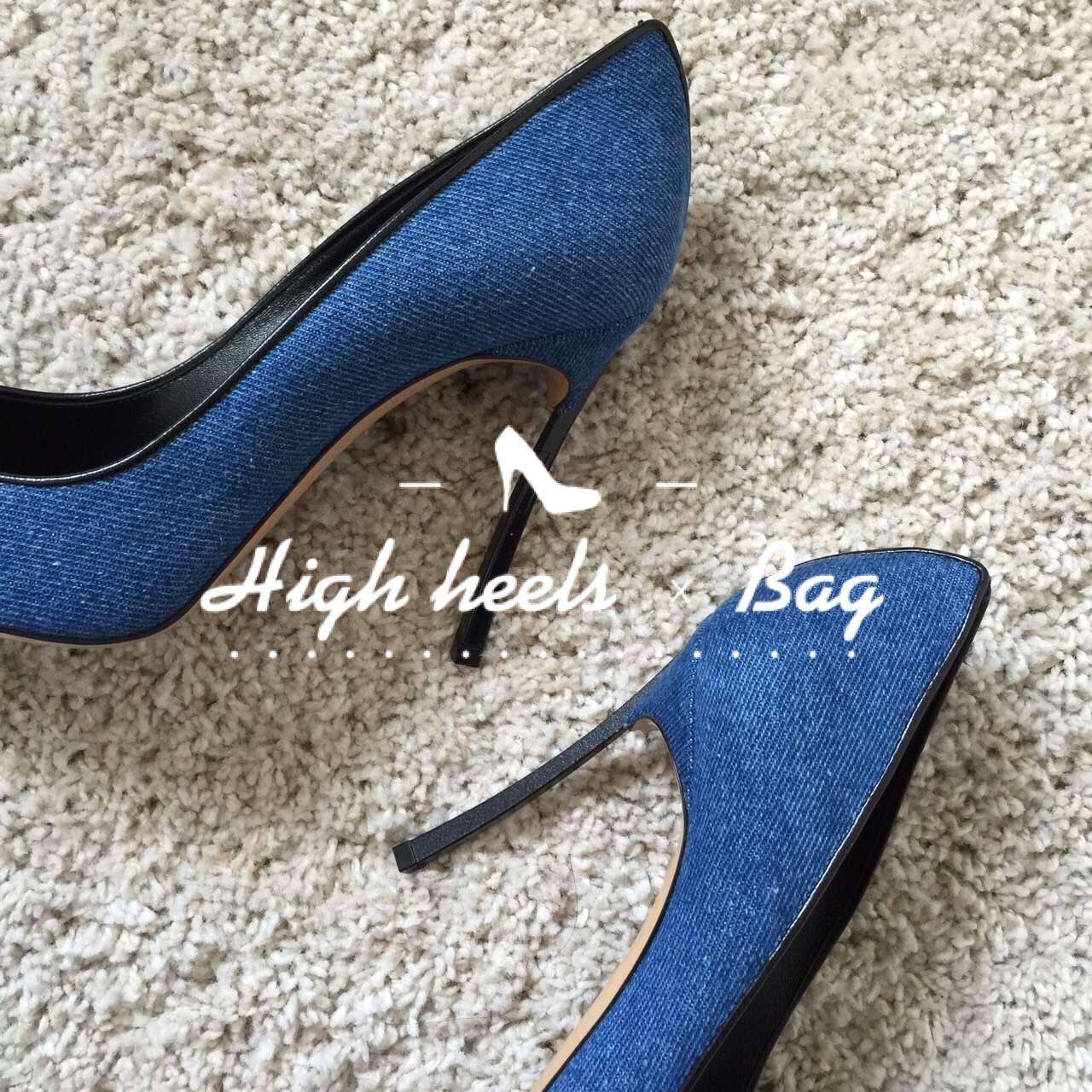 CASADEI的鞋子里觉得刀锋款最有味道,我的鞋子里只有细高跟和平跟,经典款的黑色红色也很有味道,鞋型也很大气。 这双属于牛仔款,布面的,脚感不错,我的脚属于比较窄瘦的类型,所以尖头鞋适合我。脚宽的mm不推荐噢。 关于这个品牌呢其实在意大利是个很知名的牌子了,全手工缝制和原创设计的品牌,还有个红地毯系列很有名。 @薯队长 改好了。 无聊来说说上周六看了杨丽萍导的《十面埋伏》,是舞剧,也只是舞剧。 我基本现在是不看商业剧的,有些东西的确是矛盾的:比如纯爱好和想赚钱;比如生存所迫和这是我想要