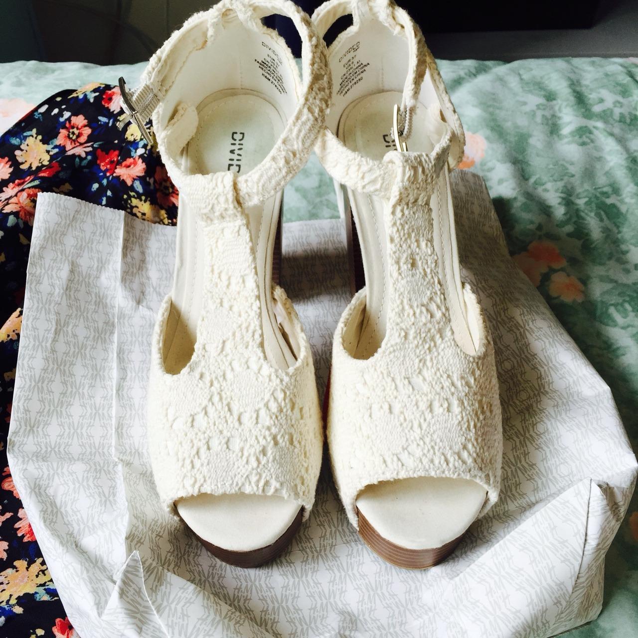 鞋子,服装