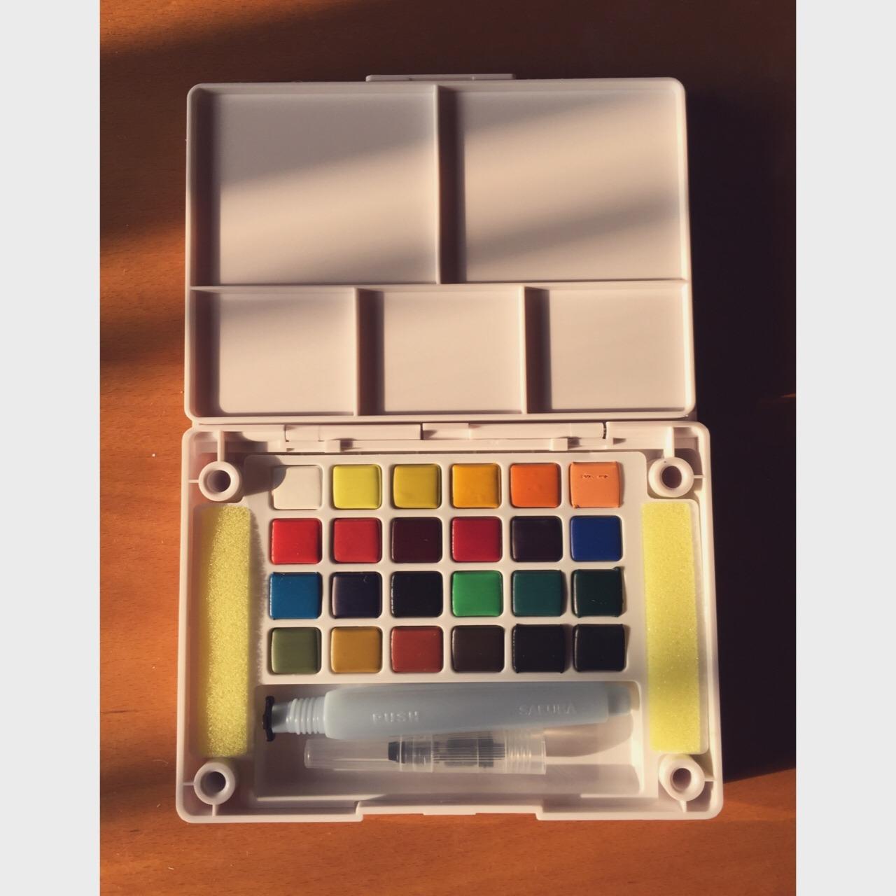 90樱花固体水彩盒24色
