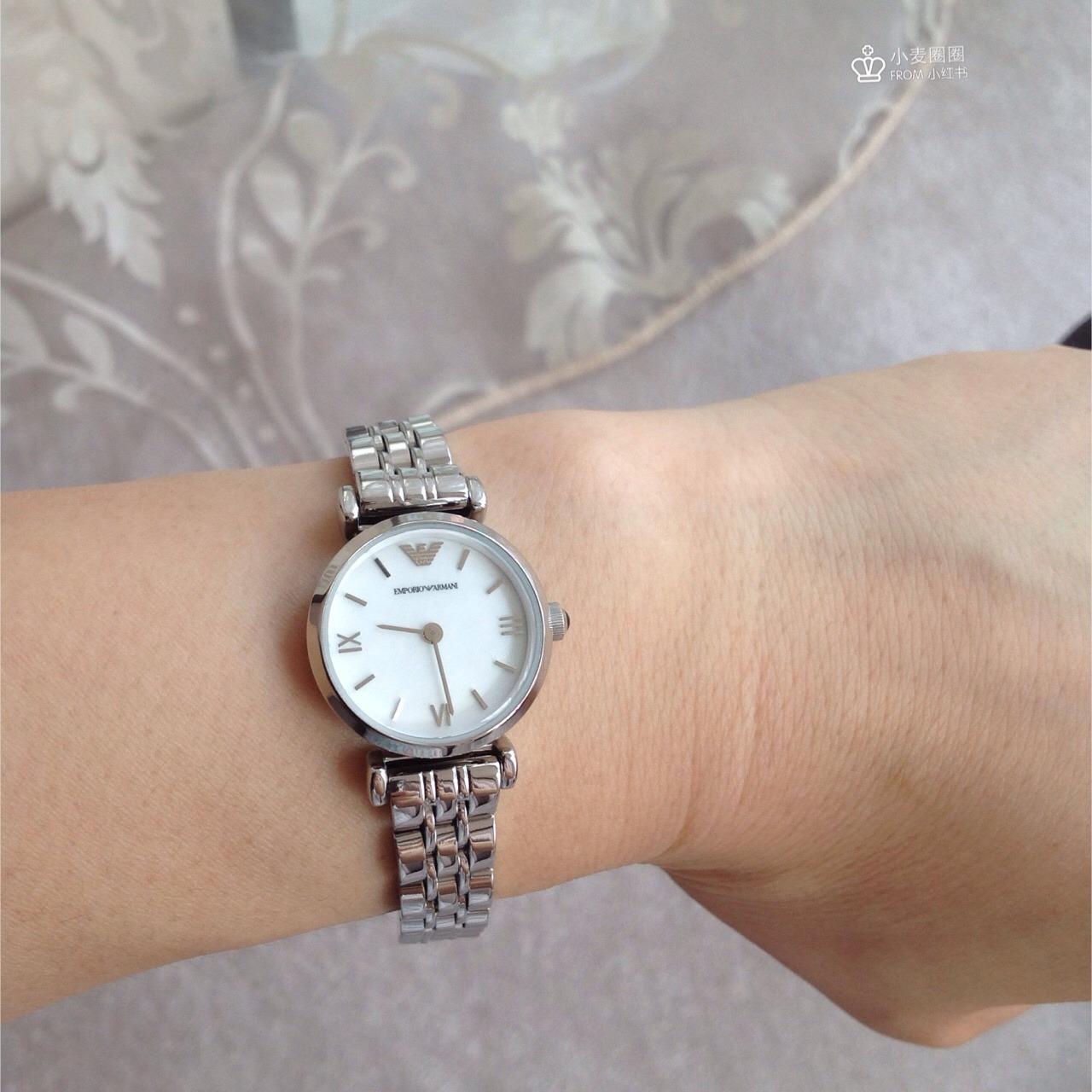 阿玛尼手表调时间图解