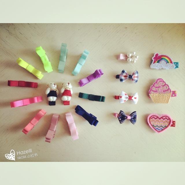 花妹的发夹们,一天一个颜色不重复[哈哈] 看着五颜六色的发夹是