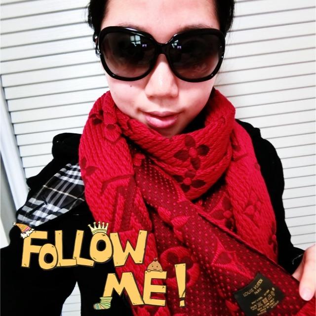 LV大红色围巾,#我要上精选#这条围巾想必大家是再熟悉不过了吧!#年货集#火到不行了,可是自己不怎么爱,不过搭配在身上很好看哦!#爱意无限蔓延#妈妈觉得不错,你们觉得呢?#我的秋冬最暖心##我的榜单我做主#从巴黎带回的,价格跟中国比起来美好很多!#我是外貌协会# 已经修改过啦@薯队长