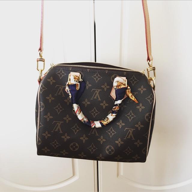 lv speedy25# 经典的老花图案真的是越看越美lv家的包包质量好到可以