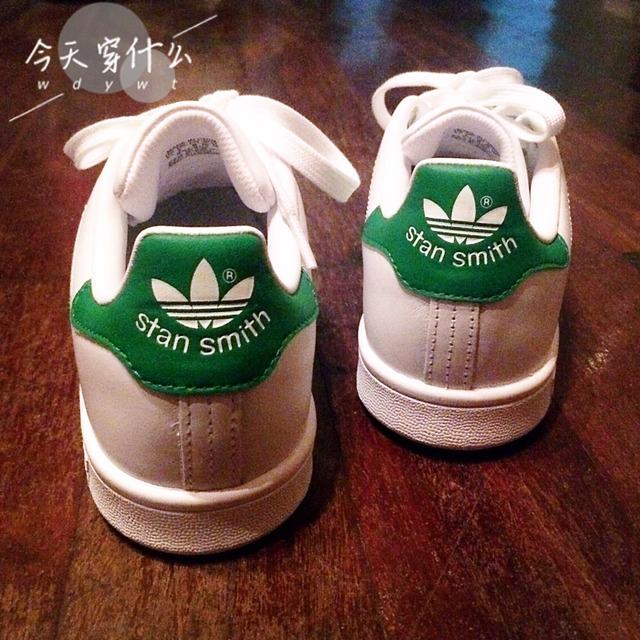 本来是想购买小绿鞋,然而不知道为毛试穿小绿鞋全部都是违和感.