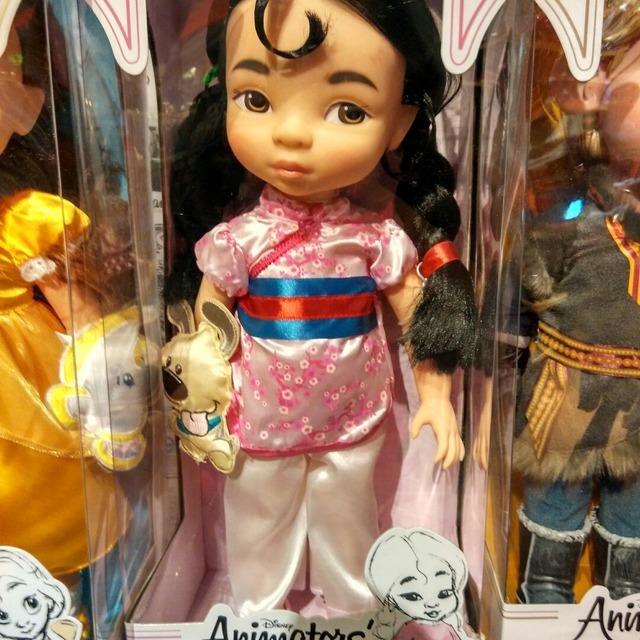 迪士尼娃娃
