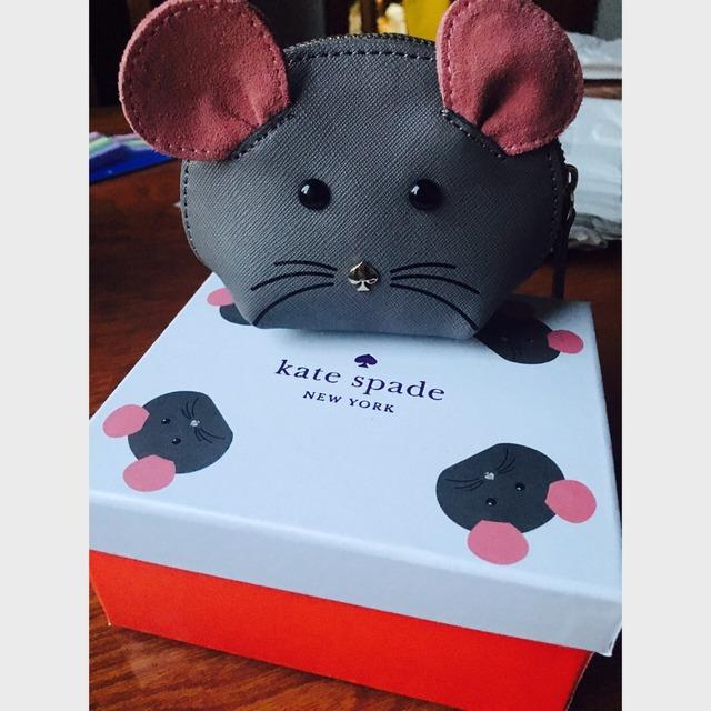 kate spade的小老鼠零钱包 真的非常小,非常小,非常小 但是真的太萌