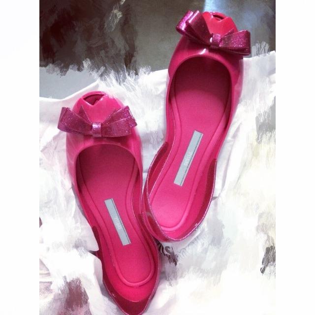 一脚melissa的鞋子