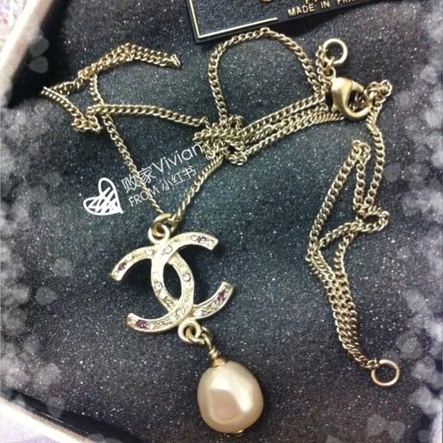 chanel限量款珍珠墨镜 限量款黑白珍珠山茶花长项链 均购于韩国首尔