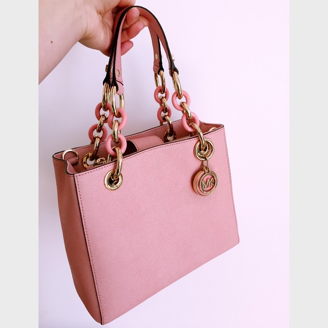 第一只粉色小可爱_博柏利围巾怎么样_博柏利包包怎么