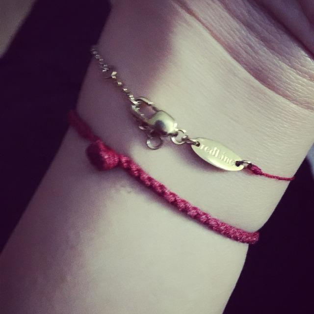 redline的半金链半红绳手链