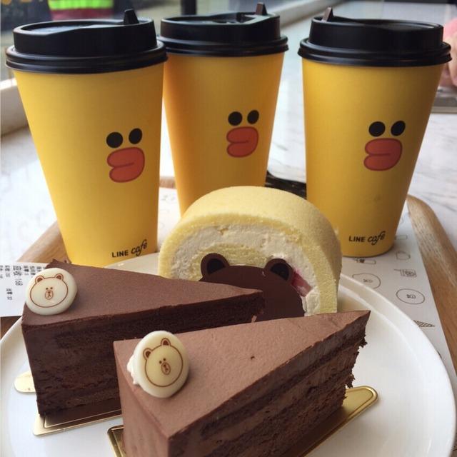 布朗熊蛋糕_巧克力_位于上海的复兴广场的_line friends餐厅-小红书